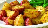 Ароматни червени картофи на фурна